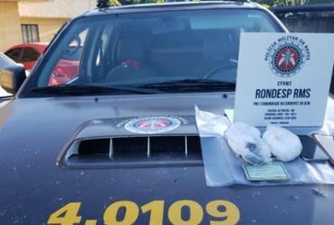 Suspeita de tráfico de drogas é presa no município de Dias D'Ávila