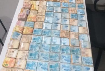 Suspeito de tráfico de drogas é preso com R$ 110 mil em Eunápolis