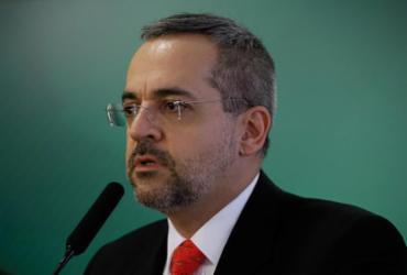 Weintraub reafirma ataques e irrita área econômica do governo | Carolina Antunes |PR