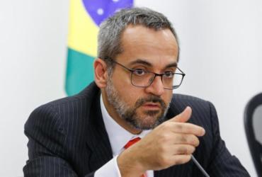 Celso de Mello nega recurso e mantém depoimento de Weintraub à PF | Carolina Antunes | PR