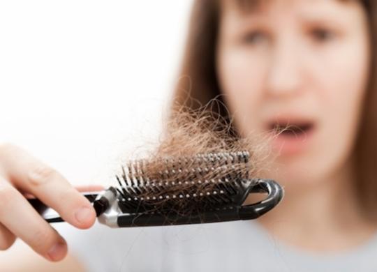 Estresse durante pandemia pode causar queda de cabelo e agravar doenças de pele | Reprodução | Freepik