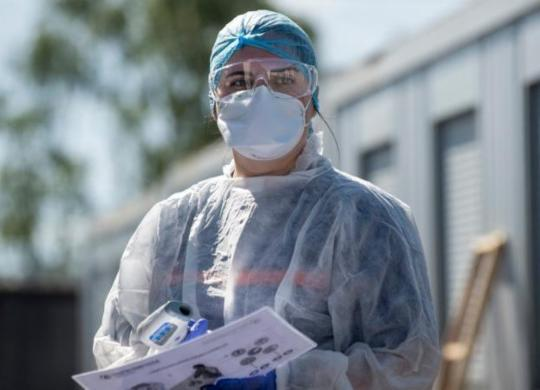 OMS recomenda máscara se transmissão de vírus for generalizada | AFP|