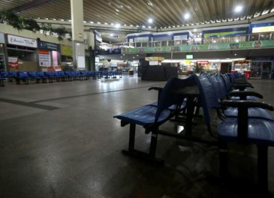 Mais 17 cidades baianas têm o transporte intermunicipal suspenso; total chega a 310 | Felipe Iruatã | Ag. A TARDE