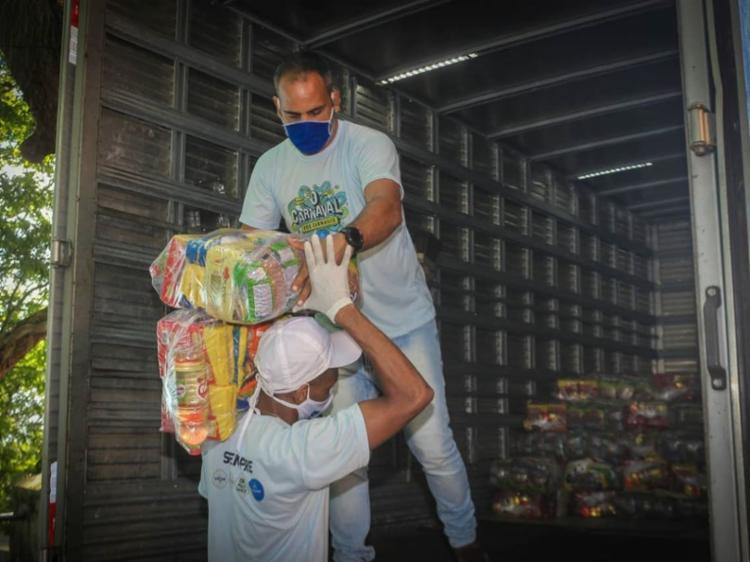 Cestas básicas foram entregues as famílias | Foto: Vitor Santos | Sempre - Foto: Vitor Santos | Sempre