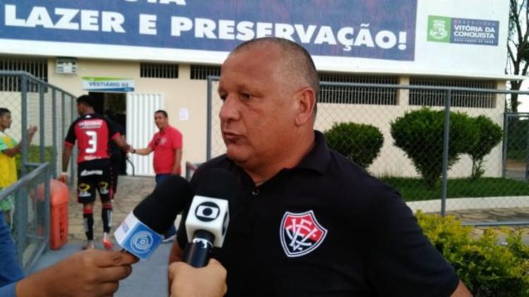 Técnico assumiu o Atlético de Alagoinhas | Foto: Marcelo Góis | E.C.Vitória - Foto: Letícia Martins | E.C.Vitória