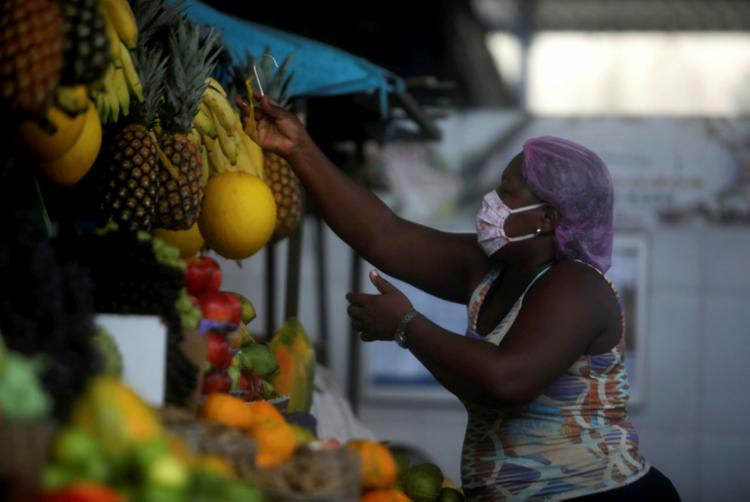 Mudanças serão impostas para feirantes e público consumidor | Foto: Felipe Iruatã | Ag. A TARDE - Foto: Felipe Iruatã | Ag. A TARDE