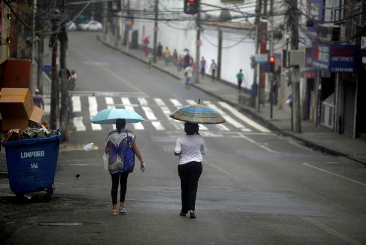 Menos gente teve que sair para trabalhar   Foto: Felipe Iruatã   Ag. A TARDE - Foto: Felipe Iruatã   Ag. A TARDE