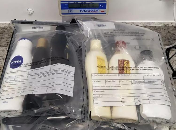 Droga era encondida dentro de pertenes nas malas dos suspeitos | Foto: Divulgação | PF