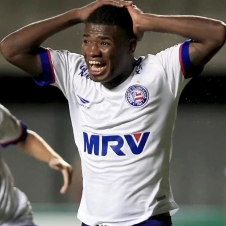 A reação de Feijão após marcar seu gol bicicleta contra o CRB | Foto: Felipe Oliveira | E.C.Bahia - Foto: Felipe Oliveira | E.C.Bahia