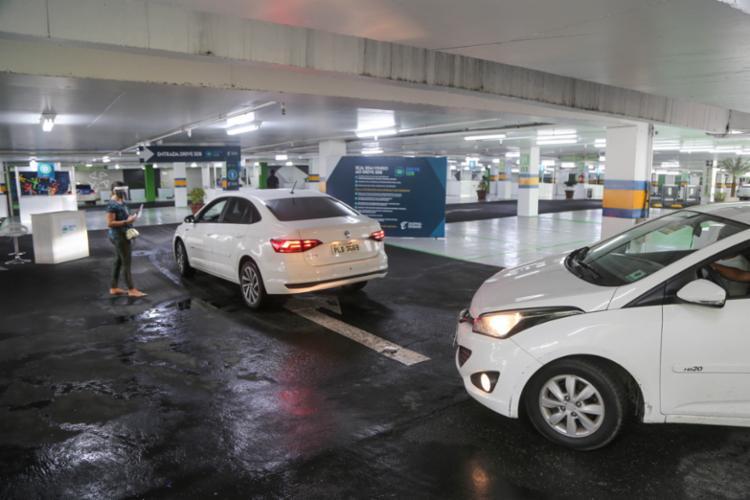 Os serviços de drive thru e delivery são opções de compra para os consumidores dos shoppings - Foto: Bruno Concha/Secom