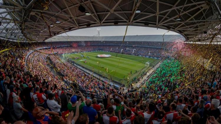 Torcida não poderá cantar nos estádios   Foto: Reprodução   Twitter   KNVB - Foto: Reprodução   Twitter   KNVB