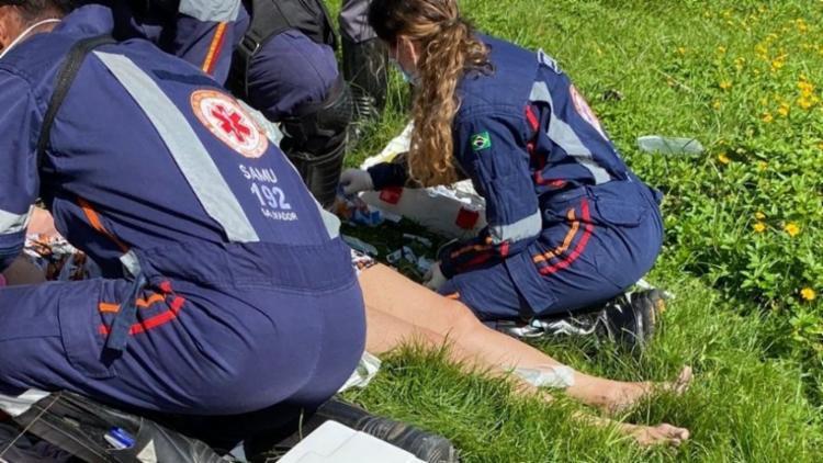 No local, o Serviço de Atendimento Móvel de Urgência prestou socorro a vítima| Foto: Reprodução - Foto: Reprodução