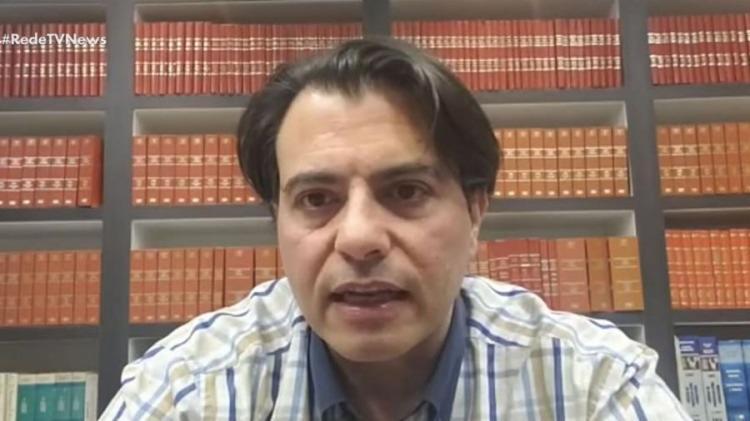 Otávio Fakhoury disse ter feito o mesmo em 2016, durante os protestos pelo impeachment de Dilma Rousseff  Foto: Reprodução   YouTube - Foto: Reprodução   YouTube
