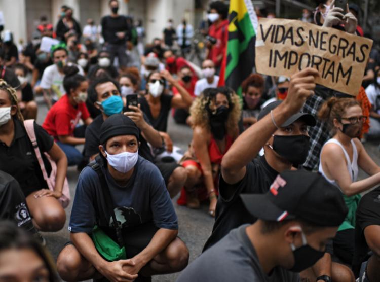 Manifestações pró-democracia vêm ganhando mais seguidores | Foto: Mauro Pimentel | AFP - Foto: Mauro Pimentel | AFP