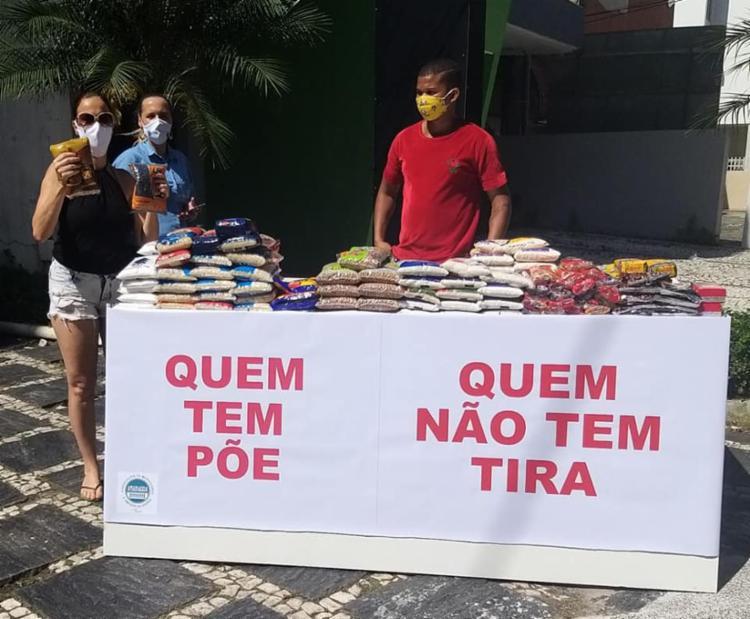 A ideia é que os moradores e comerciantes possam doar alimentos não perecíveis para as pessoas mais necessitadas| Foto: Reprodução | Facebook - Foto: Reprodução | Facebook