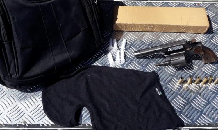 Material apreendido com o suspeito abatido   Foto: Divulgação   SSP - Foto: Divulgação   SSP
