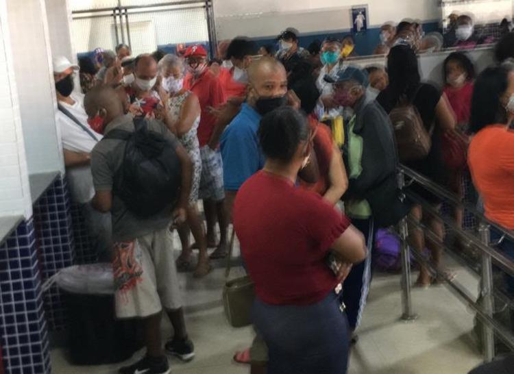 Passageiros ficaram aglomerados em saguão | Foto: Divulgação | Cidadão Repórter - Foto: Divulgação | Cidadão Repórter