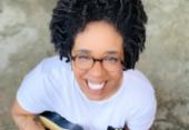 Cantora Jann Souza faz pocket show online celebrando