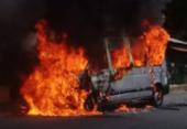 Van pega fogo no bairro do Pau Miúdo | Foto: Cidadão Repórter | via WhatsApp