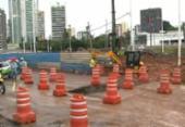 Rompimento de adutora causa congestionamento na avenida ACM | Foto: Reprodução | Rede Bahia