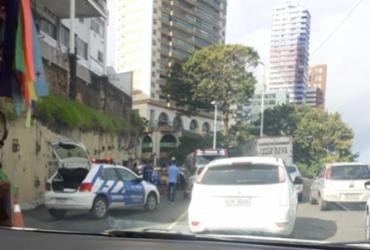 Acidente entre dois carros deixa trânsito lento na Avenida Contorno | Cidadão Repórter | Whatsapp