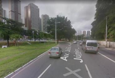 Acidente entre dois carros e uma moto deixa trânsito lento na av. Juracy Magalhães   Google   Street View