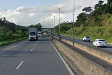 Acidente deixa um ferido na BR 324; congestionamento chega a 1km | Reprodução | Google Street View