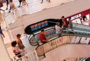 Praças de alimentação em shoppings iniciam fase dois com pouco movimento  
