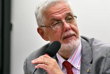 Solla aciona Justiça contra medalha para primeira-dama | Zeca Ribeiro | Câmara dos Deputados