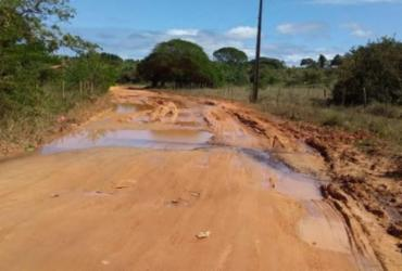 Comunidade de Massarandupió denuncia situação precária de estrada