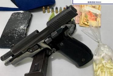 Pistola e drogas são apreendidas no complexo Nordeste de Amaralina | Divulgação | SSP-BA
