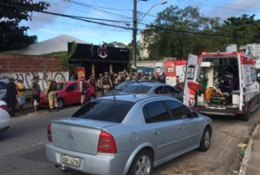 Tentativa de assalto termina com suspeito morto no Trobogy; PM e mulher são baleados | Renan Pinheiro | TV Bahia