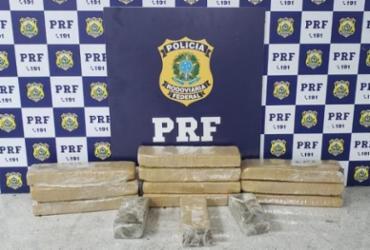 PRF apreende 10 kg de maconha após perseguição na BR-116