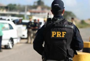 Homem foragido da justiça é preso na BR-116 em abordagem policial