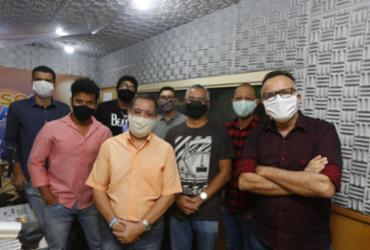 Equipe da A TARDE FM adaptada aos tempos de pandemia | Foto: Rafael Martins | Ag. A TARDE - Rafael Martins | Ag. A TARDE