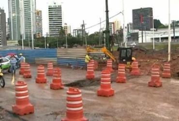 Rompimento de adutora causa congestionamento na avenida ACM | Reprodução | Rede Bahia