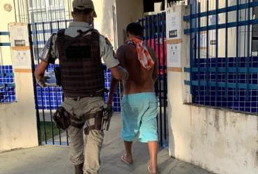 Homem é preso pouco tempo depois de tentar matar homem com facada em Belmonte