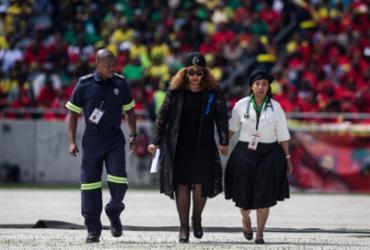 Zindzi Mandela, filha de Nelson Mandela, morre aos 59 anos |