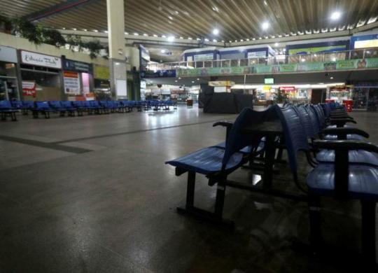 Mais quatro cidades têm transporte intermunicipal suspenso na Bahia | Felipe Iruatã | Ag. A TARDE