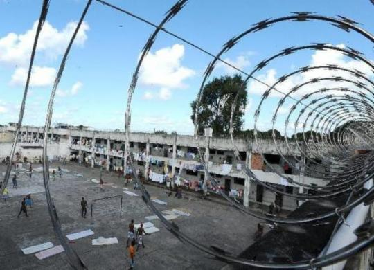 Bolsonaro veta uso obrigatório de máscaras em presídios | Arquivo | Agência Brasil