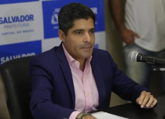 ACM Neto defende vacinação obrigatória e critica governo federal | Raul Spinassé | Ag. A TARDE