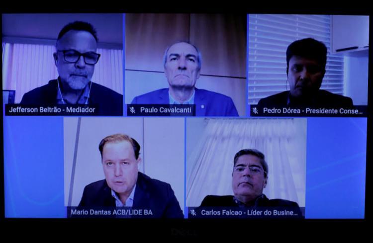 O encontro foi mediado pelo jornalista Jefferson Beltrão | Foto: Adilton Venegeroles | Ag. A TARDE - Foto: Adilton Venegeroles | Ag. A TARDE