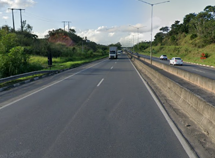 Acidente aconteceu na BR-324 sentido Águas Claras - Foto: Reprodução   Google Street View