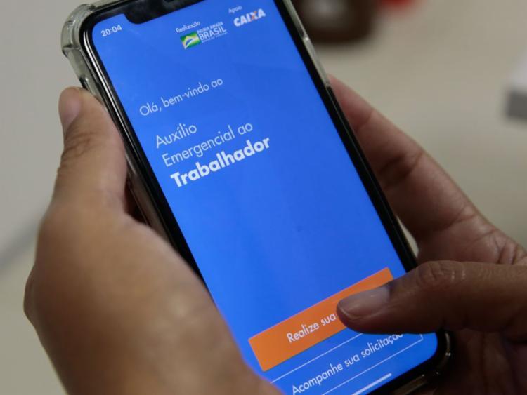 Isso [auxílio] vai acabar e toda essa população vai voltar ao mercado de trabalho | Foto: Marcello Casal Jr | Agência Brasil - Foto: Marcello Casal Jr | Agência Brasil
