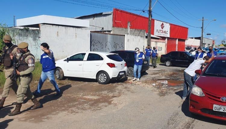 Cerca de 300 pessoas estavam aglomeradas no local | Foto: Divulgação | Sedur - Foto: Divulgação
