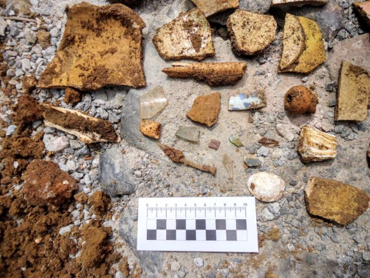 Objetos foram encontrados no subsolo do Largo do Santo Antônio | Foto: Divulgação | Ascom | Conder
