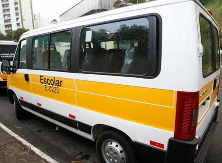 Transporte escolar foi um dos primeiros a parar após suspensão das aulas - Foto: Arquivo | Ag. A TARDE