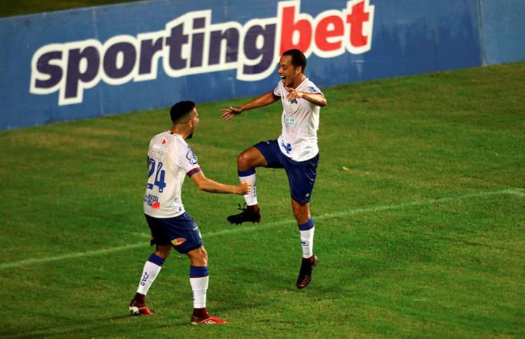Rodriguinho foi o autor do segundo gol do Esquadrão no duelo   Foto: Adilton Venegeroles   Ag. A TARDE - Foto: Adilton Venegeroles   Ag. A TARDE