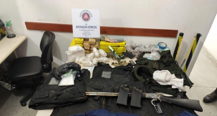 O material e o preso foram apresentados no Departamento de Homicídios e Proteção à Pessoa | Foto: Divulgação | SSP-BA - Foto: Divulgação | SSP-BA