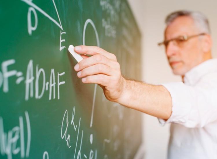 Medida permite que professores tenham contratos suspensos ou carga horária reduzida | Foto: Freepik - Foto: Reprodução | Freepik
